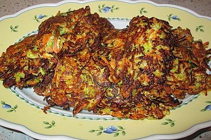 Gemüsepuffer mit Kartoffeln, Zucchini und Möhren 27