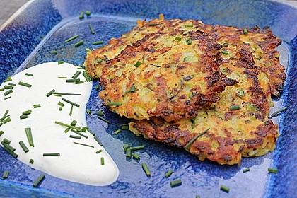 Gemüsepuffer mit Kartoffeln, Zucchini und Möhren 1