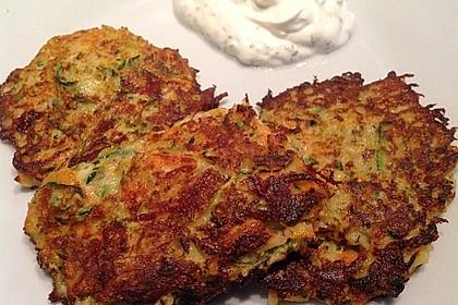 Gemüsepuffer mit Kartoffeln, Zucchini und Möhren 13
