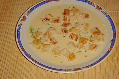 Knoblauchsuppe mit Parmesan 4