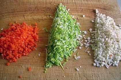 Schollenröllchen mit Garnele und Schmorgemüse in Weißweinsauce 4