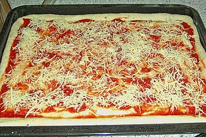 Superknuspriger Pizzateig 12