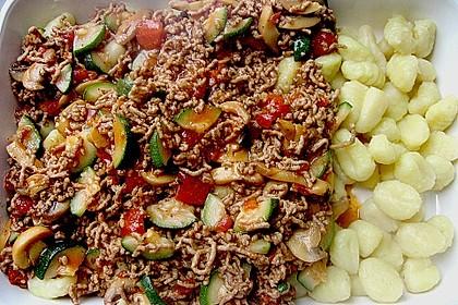 Gnocchi - Hackfleisch - Gemüse - Auflauf 3