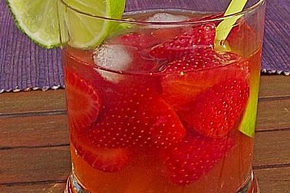 Erdbeer Caipirinha mit Limette und Cachaça 2