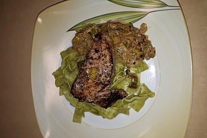Thunfisch-Steaks auf Lauchgemüse 11