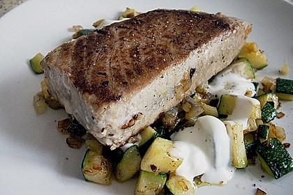 Thunfisch-Steaks auf Lauchgemüse 7