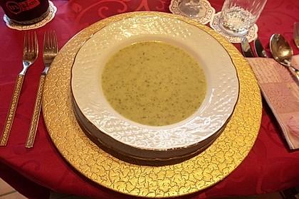 Zucchinisuppe mit Käse 24