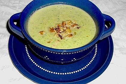 Zucchinisuppe mit Käse 12