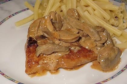 Putenschnitzel in Champignon - Sahnesauce
