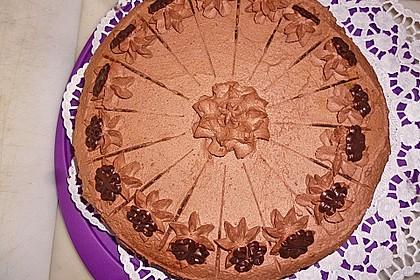 Versteckte Schokoladentorte mit Beeren 6