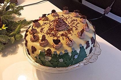 Versteckte Schokoladentorte mit Beeren 8