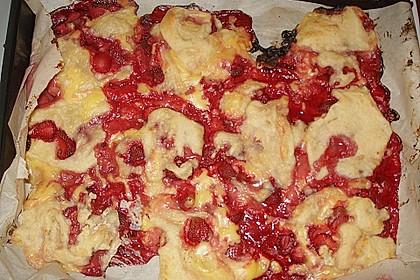 Erdbeer-Vanille Schnecken 20