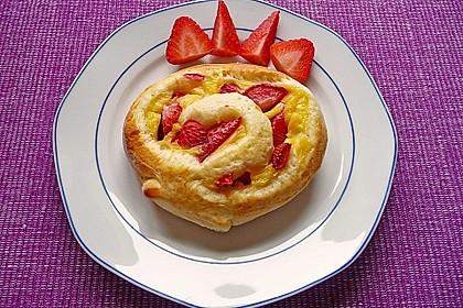 Erdbeer-Vanille Schnecken