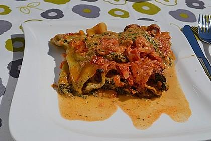 Cannelloni mit Kräuterfüllung