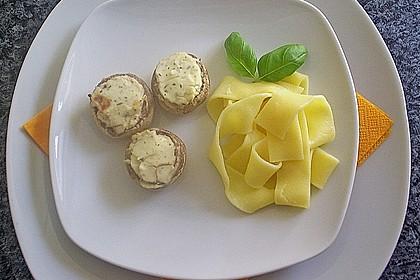 Champignons an Frischkäse