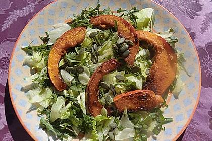 Gebratener Kürbis auf Blattsalaten 2