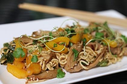 Schweinefilet chinesisch mit Gemüse und Eiernudeln 1