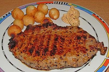 Mariniertes Steak mit Grillkartoffel und Gemüsespieß 5