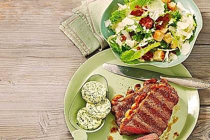 Mariniertes Steak mit Grillkartoffel und Gemüsespieß