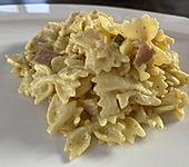 Bunter Nudelsalat mit Fleischbrühe (Bild)