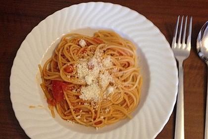 Knoblauch-Spaghetti mit Lauch und Tomate 14