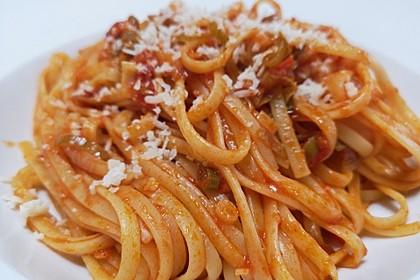 Knoblauch-Spaghetti mit Lauch und Tomate 1