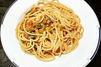 Knoblauch-Spaghetti mit Lauch und Tomate 4