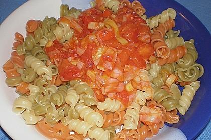 Knoblauch-Spaghetti mit Lauch und Tomate 36