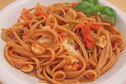 Knoblauch-Spaghetti mit Lauch und Tomate 16