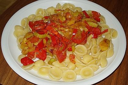 Knoblauch-Spaghetti mit Lauch und Tomate 37