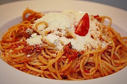 Knoblauch-Spaghetti mit Lauch und Tomate 2