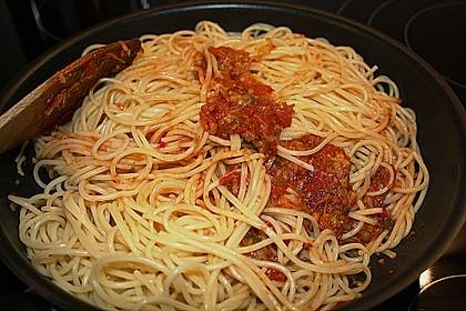 Knoblauch-Spaghetti mit Lauch und Tomate 45