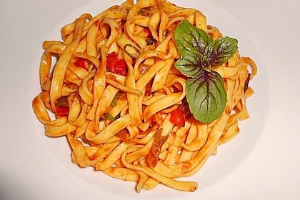 Knoblauch-Spaghetti mit Lauch und Tomate 3