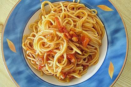 Knoblauch-Spaghetti mit Lauch und Tomate 24
