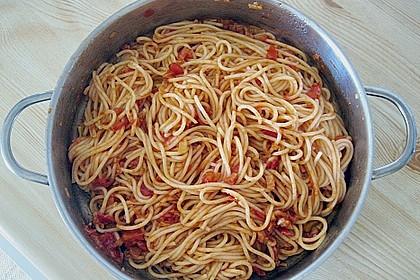 Knoblauch-Spaghetti mit Lauch und Tomate 38