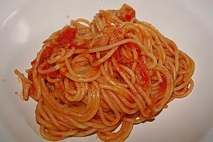 Knoblauch-Spaghetti mit Lauch und Tomate 15