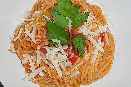 Knoblauch-Spaghetti mit Lauch und Tomate 8