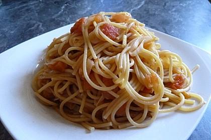Knoblauch-Spaghetti mit Lauch und Tomate 6