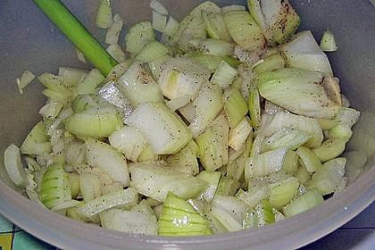 Angemachte Zwiebel = Zwiebelsalat (nicht mehr scharf) (Bild)