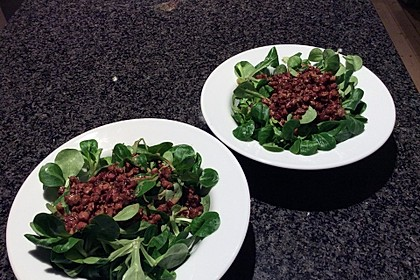 Feldsalat mit Sahne-Speck-Sauce 32