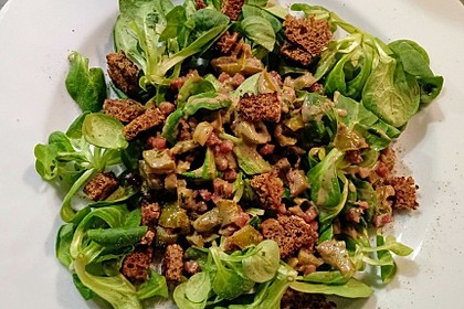 Feldsalat mit Sahne-Speck-Sauce 4