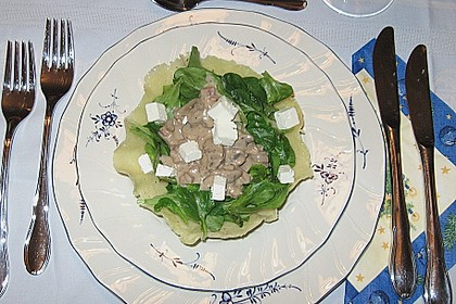 Feldsalat mit Sahne-Speck-Sauce 55