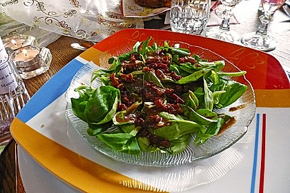 Feldsalat mit Sahne-Speck-Sauce 25