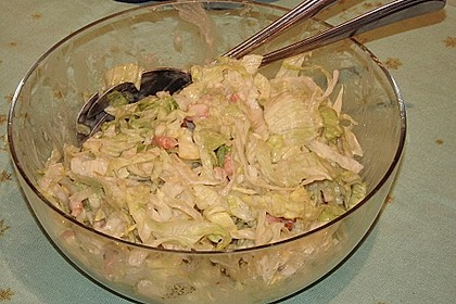 Feldsalat mit Sahne-Speck-Sauce 56