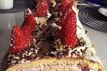 Biskuitrolle mit Erdbeer-Quark-Sahne Füllung 38