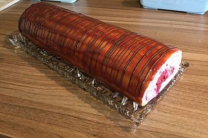 Biskuitrolle mit Erdbeer-Quark-Sahne Füllung 30