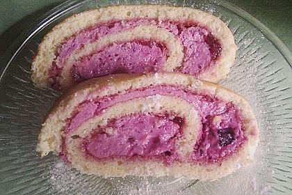 Biskuitrolle mit Erdbeer-Quark-Sahne Füllung 46
