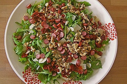 Nudelsalat, kernig, mit Rucola, Tomaten und Parmesan 4