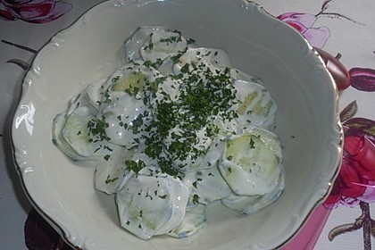 Gurkensalat mit Schmanddressing 2