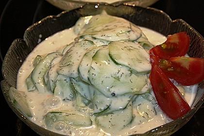 Gurkensalat mit Schmanddressing 5